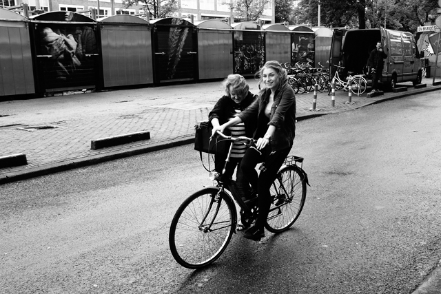 straatfotografie, amsterdam, waterlooplein, mozes en aaronkerk, streetphotography